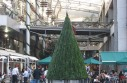 Christmas_tree_at_shopping_mall